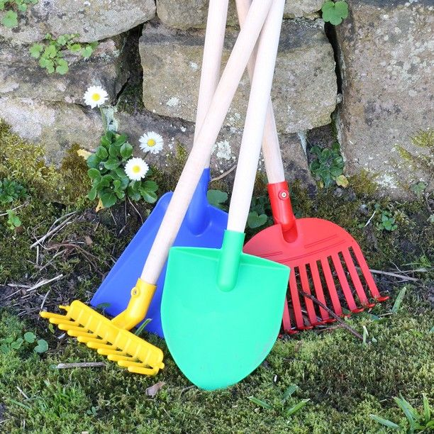 The nieces love to help Anna with gardening so she gave them little kid-size tools of their own. In stores now. Price DKK 2190 / SEK 2990 / NOK 3190 / EUR 299 / ISK 618 / GBP 2.44  #gardeningtools #gardening #children #playfulness #inspiration #sostrenegrene #søstrenegrene #grenehome