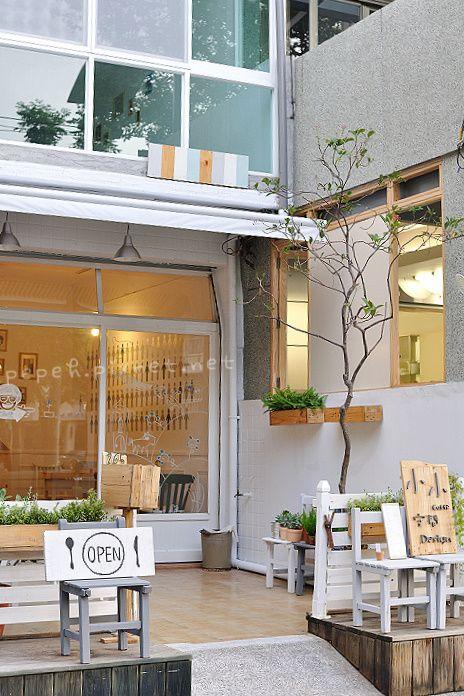 Love the exterior cafe pinterest light browns cafes for Exterior restaurant design ideas