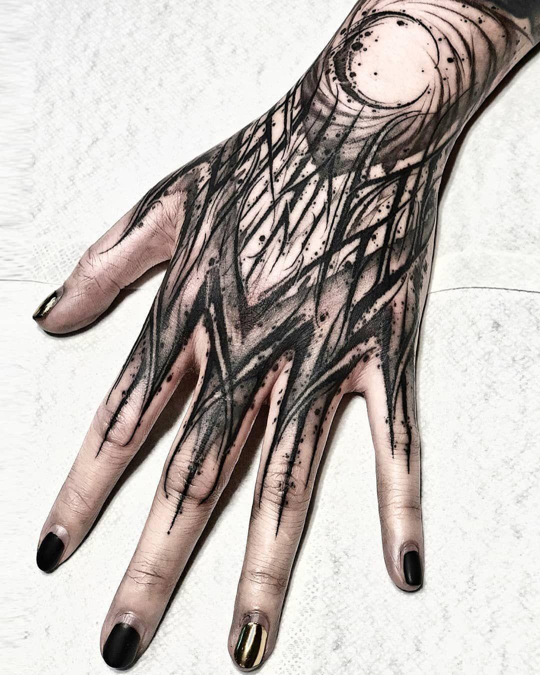 Untitled en 2020 Tatuaje de la mano, Letras para