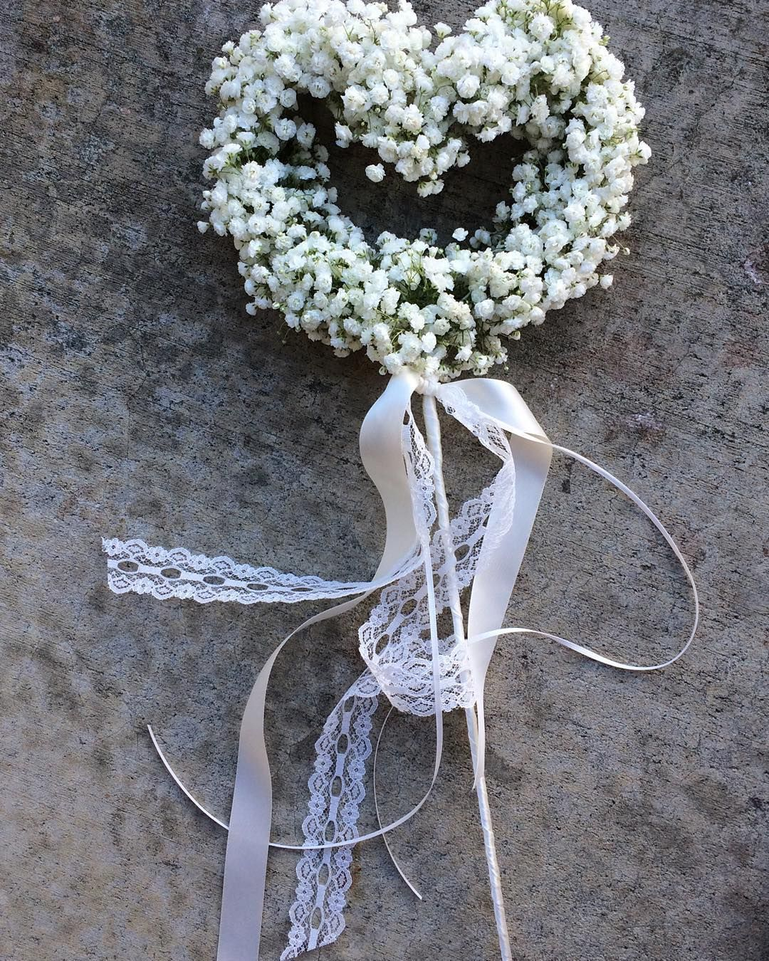 Love this baby 39 s breath wand for flower girl for Wedding wands