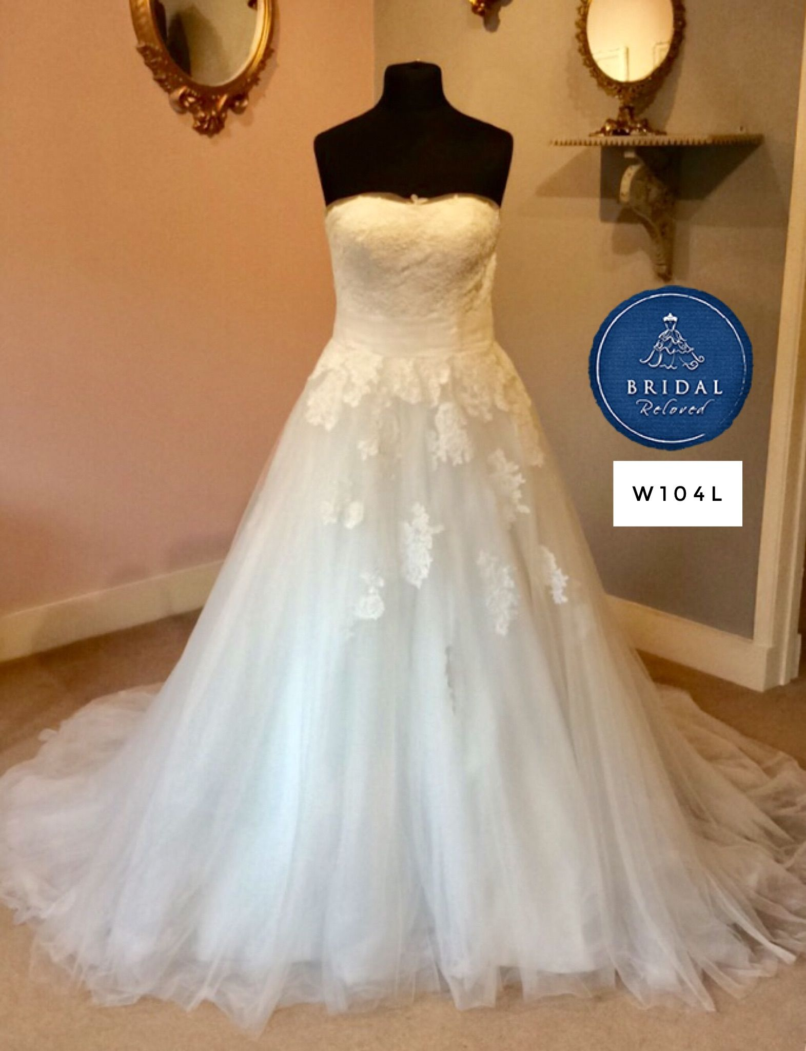 62e856d9f3783 ... Bridal Reloved Wallingford. Stunning lace princess gown by Justin  Alexander ...