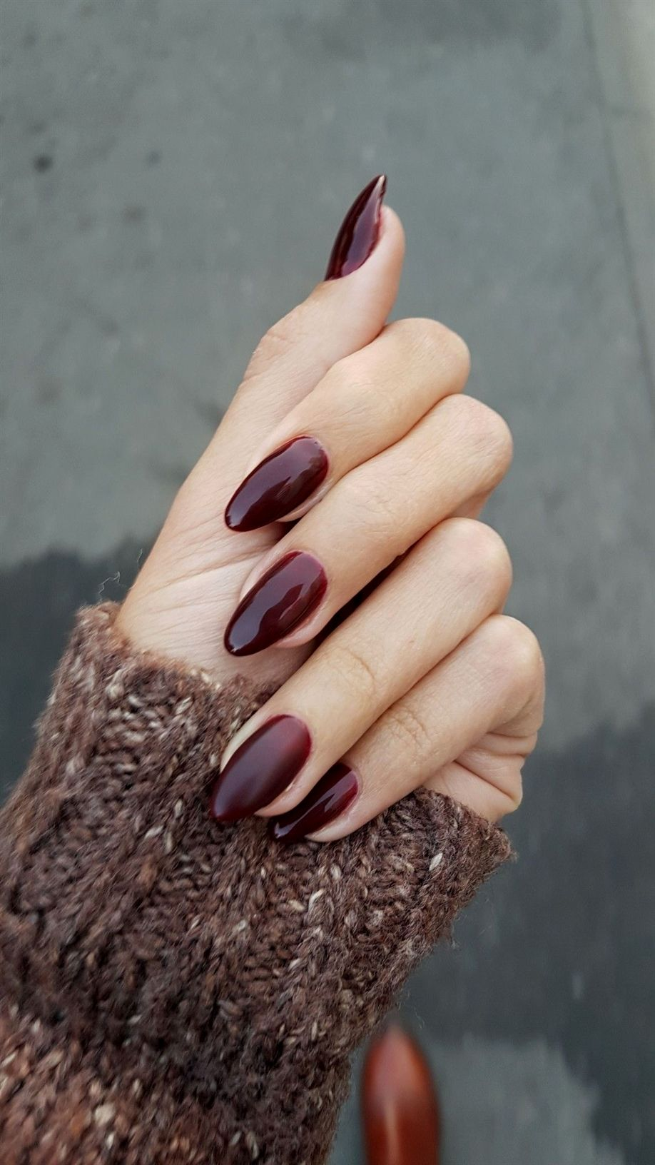 Love This Nail Color For Autumn Burgundy Elegant Feisty Almond Shaped Nails 2017 Autumn Acr Almond Shape Nails Acrylic Nail Shapes Winter Nails Acrylic