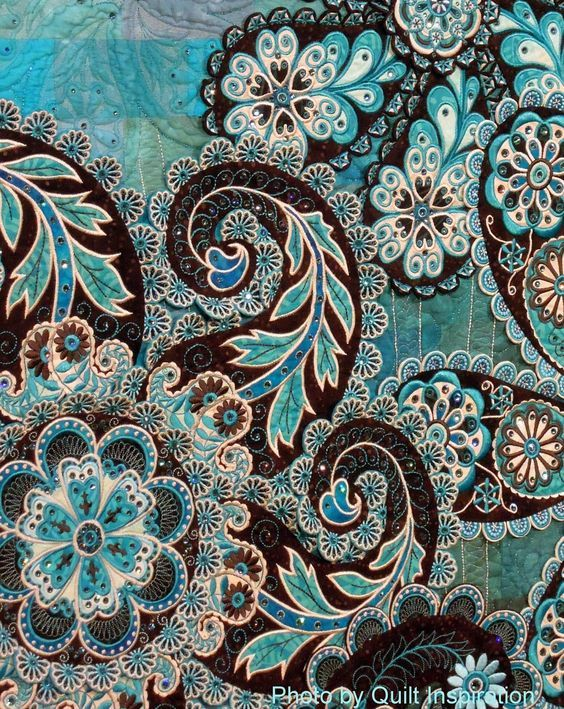 close up, A Pocket full of Paisleys by Lorilynn King (Longmont, CO).  2014 AQS, photo by Quilt Inspiration.:
