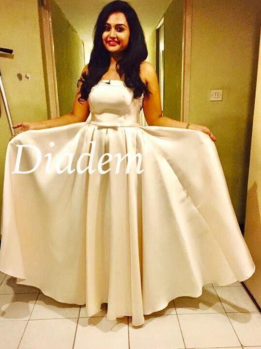 Embellished Wedding Gowns Ruffled Dresses Elegant Crystal Gorgeous Dress Ivory Dressses