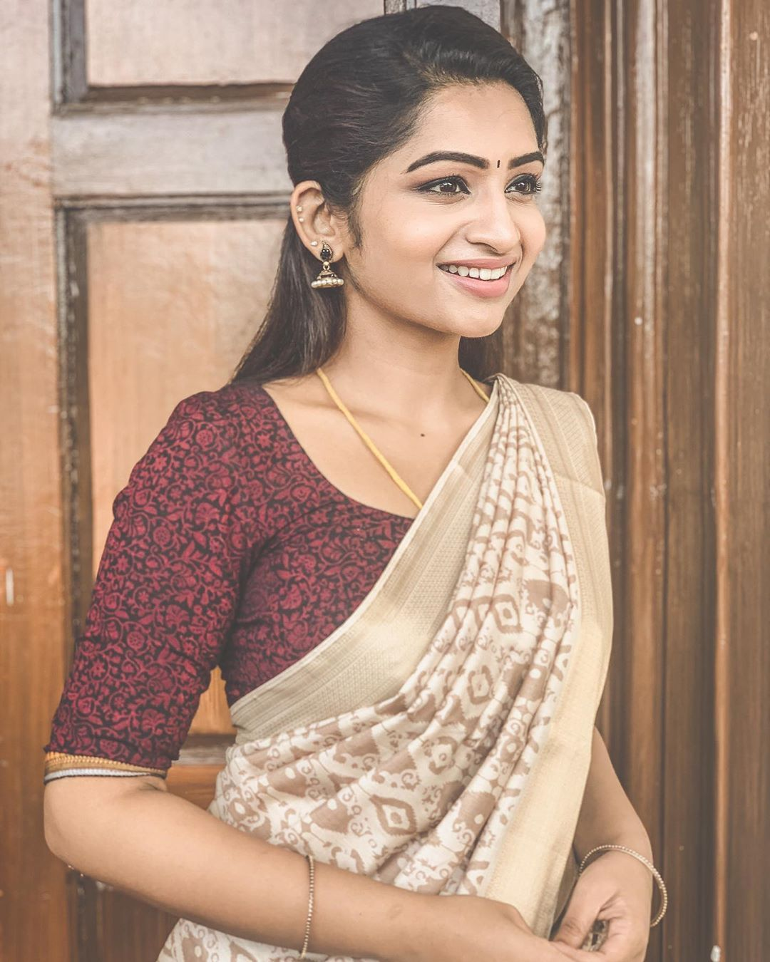 Easy Ladies Hairstyles In Kerala: In An @adornelegance Saree 🌸 #beingbhagyalakshmi
