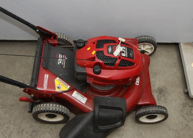 Absolute Auctions Realty Lawn Mower Outdoor Power Equipment Gear Drive