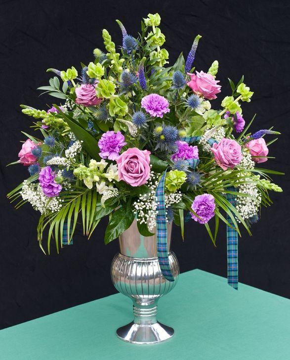 Cross Wedding Altar Flowers: Christmas Floral Arrangements For Church