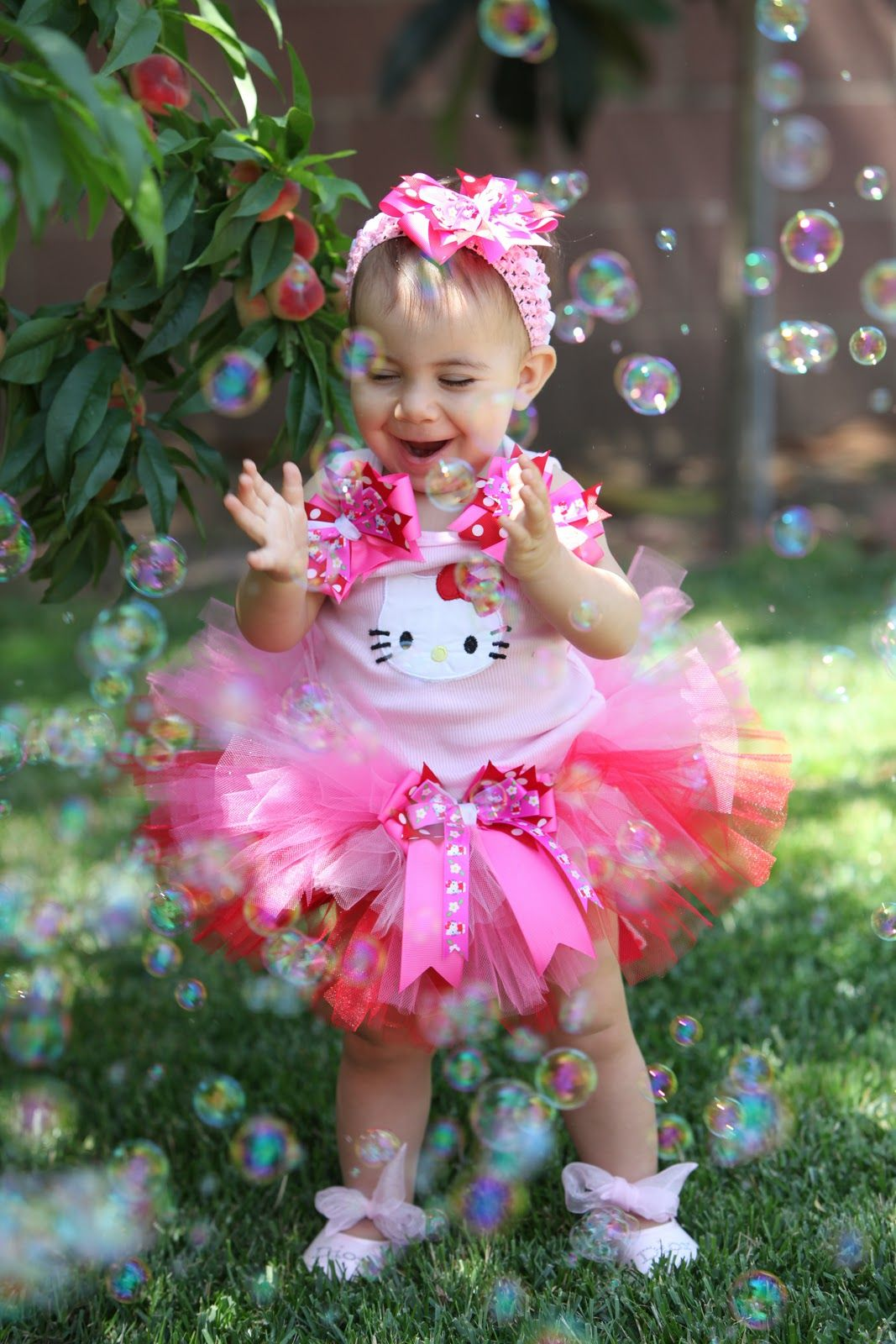 Hello Kitty outfit for birthday girl. #hellokitty #birthday #girl #bokeh #photography