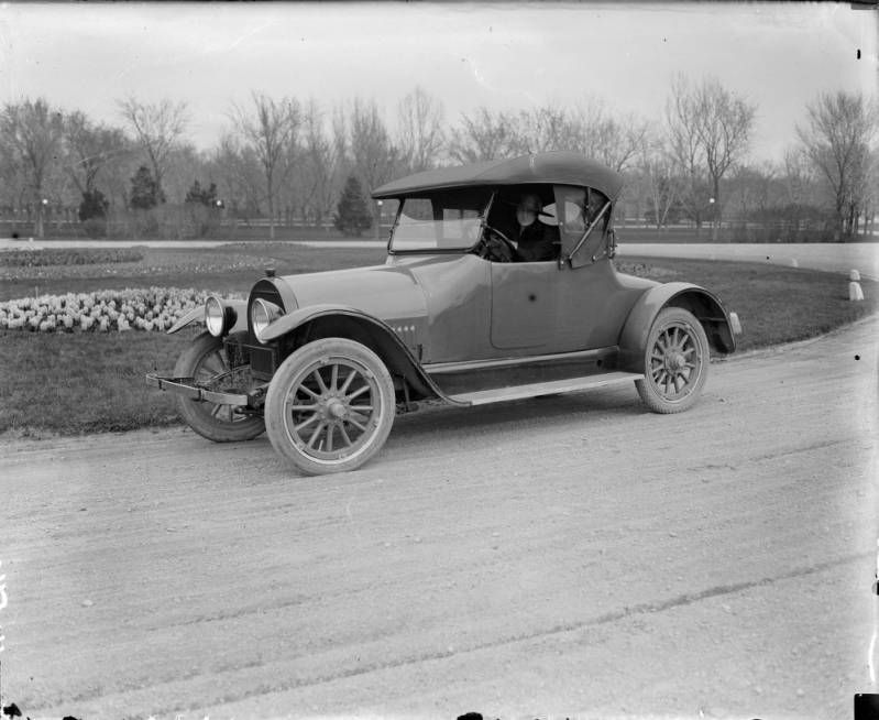 Mrs. Sade Rhoads in her 1918 Kissel car [between 1910 and 1920 ...