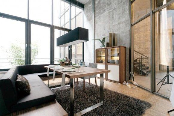 stilvolle esszimmer mit sofa und tisch lampe einrichten und wohnen pinterest sofa. Black Bedroom Furniture Sets. Home Design Ideas