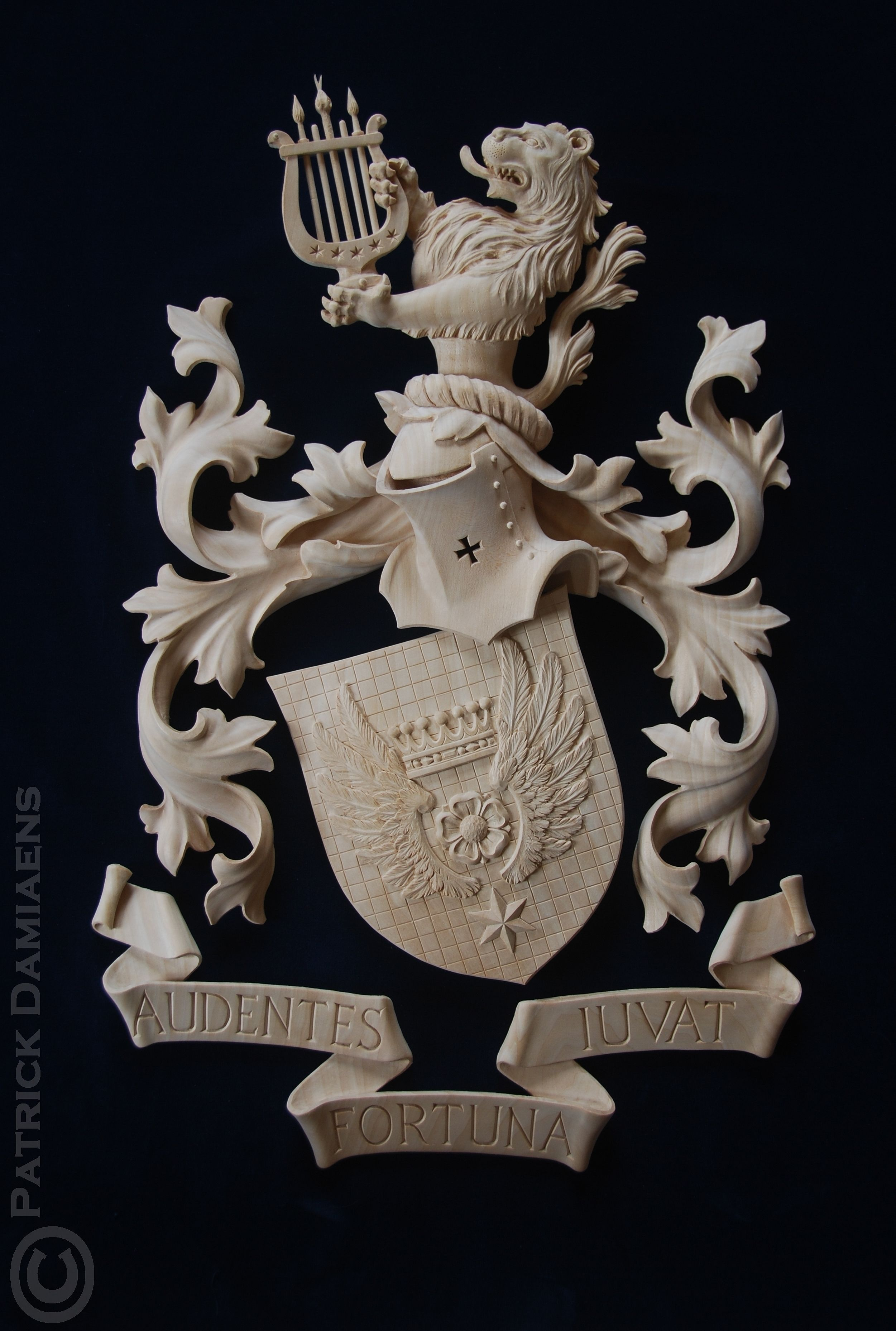 Madera Tallada Con Dibujo De León Crest Escudo De Armas