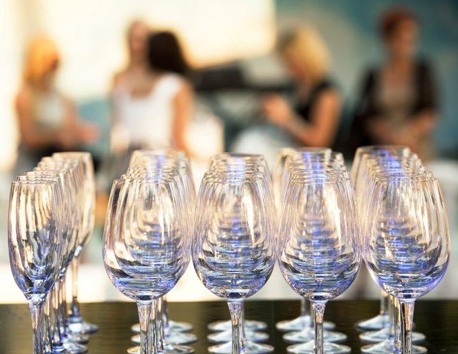 10 Engagement Party Theme Ideas #engagementparty