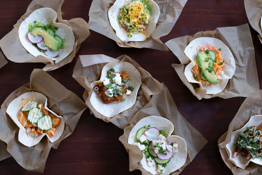 New West Town Market Melds Tacos With Japanese Flavors Curry Restaurants Chicago Restaurants Best Eater
