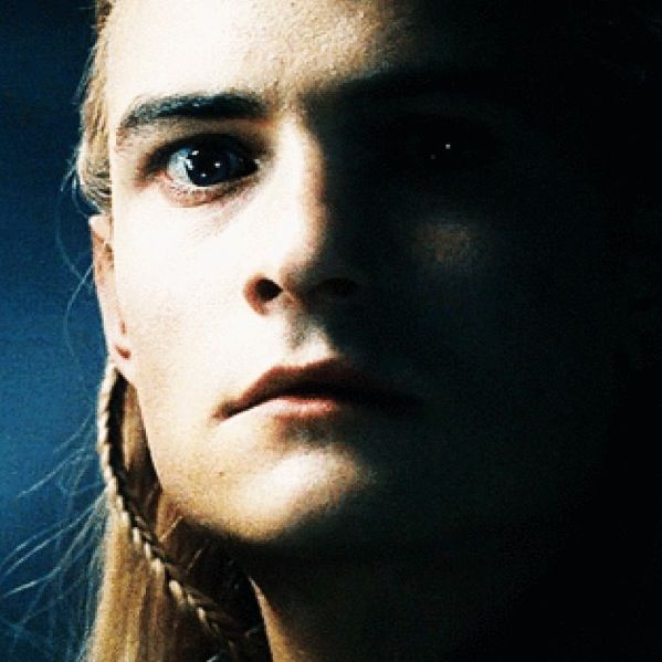 The only time Legolas looks scared   Legolas, Orlando ...