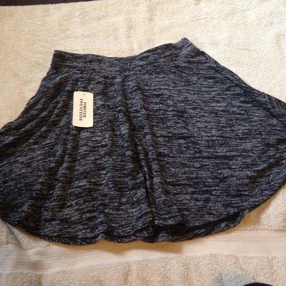 Cute circle skirt Brand new no trade Forever 21 Skirts Circle & Skater