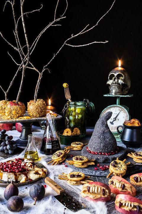 38 Easy Halloween Appetizers - Recipes & Ideas for Halloween Hors d'oeuvres #halloweenappetizers
