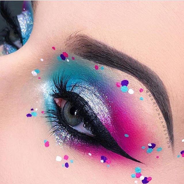 This is cool #eye #makeup. Bright eye makeup look.