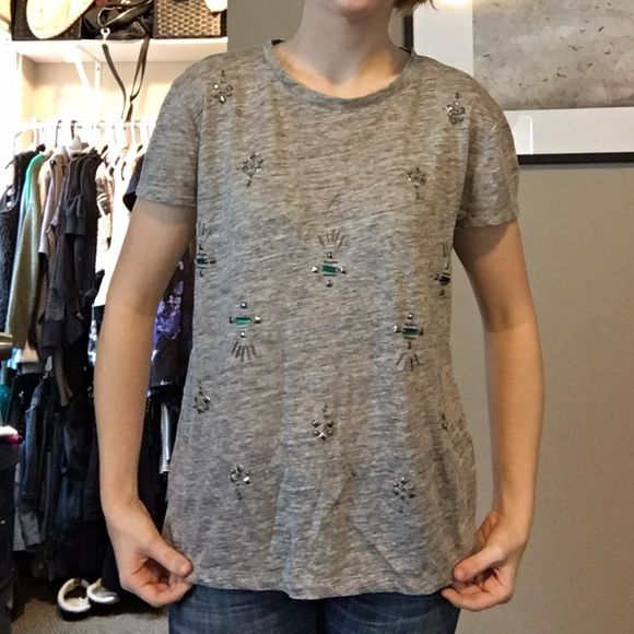 Madewell beaded t shirt Short sleeve gray beaded t-shirt, all of the beaded are intact. There is only one or two that are loose, but if you have a needle and thread you can tighten them, or I can do it before I send it. Madewell Tops Tees - Short Sleeve