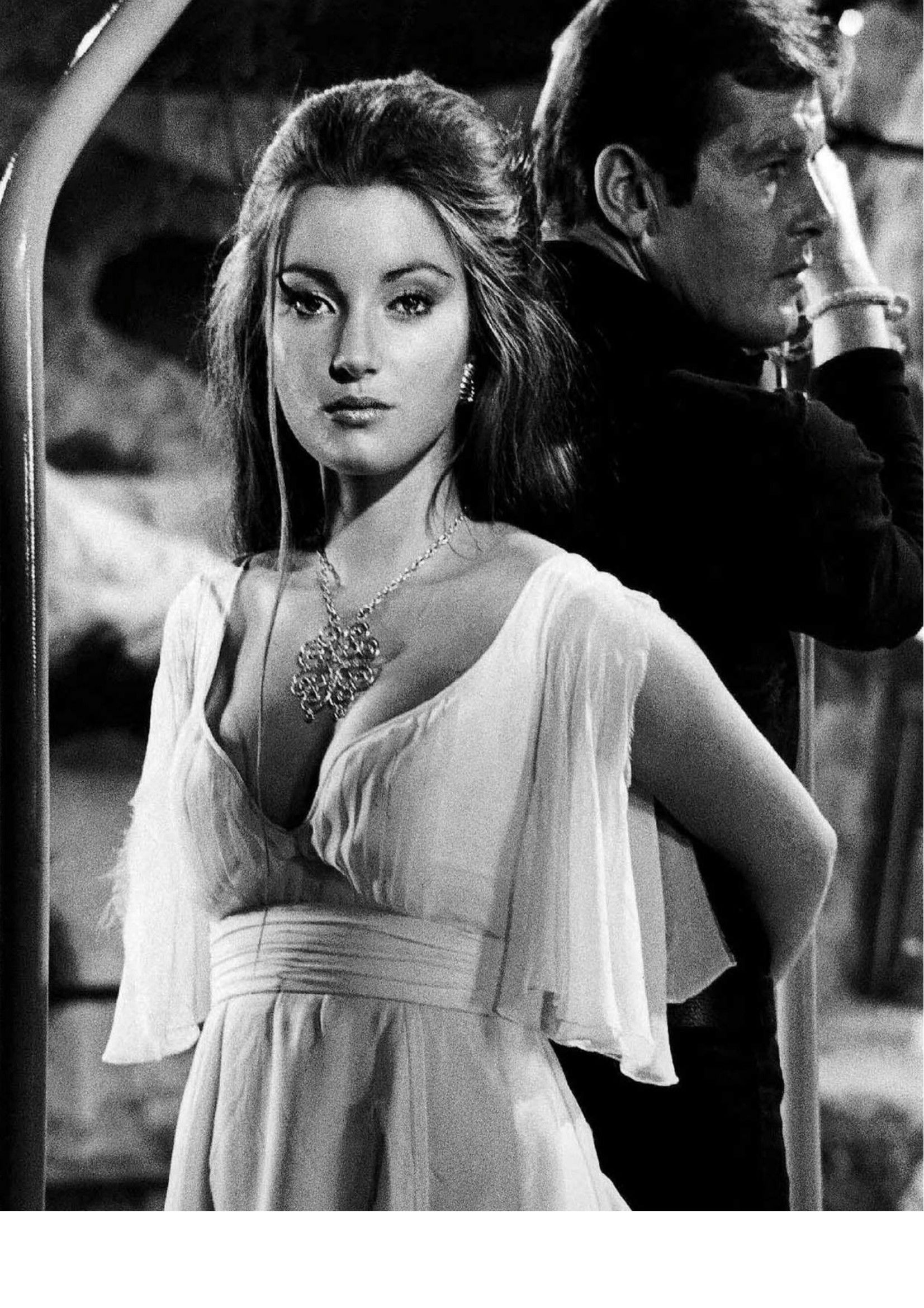 jane seymour and roger moore 1653x2339 pixels 007