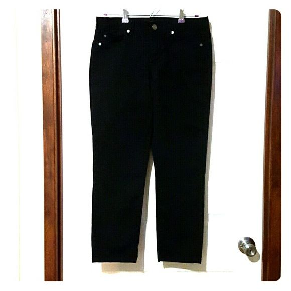 Calvin Klein Jeans Perfect condition Calvin Klein  Skinny Crop Jean barely worn. Calvin Klein Jeans Skinny
