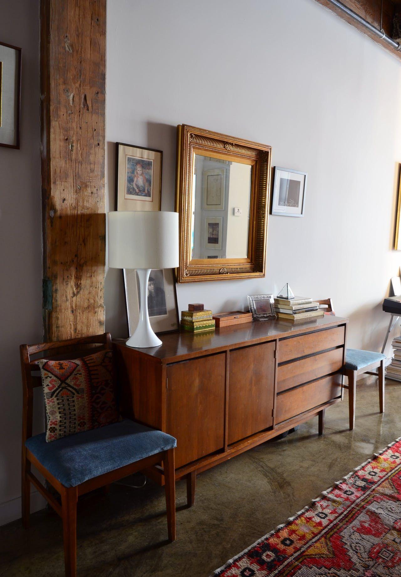 """A """"Maximalist Rich Lady"""" Style Brooklyn Studio Apartment"""