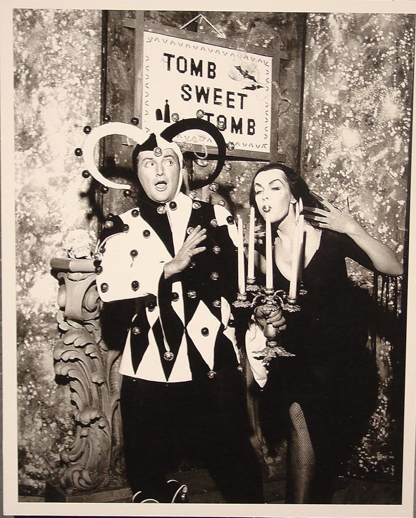 """Liberace meets Vampira in his 1956 Vegas show """"Come As You Are""""!"""