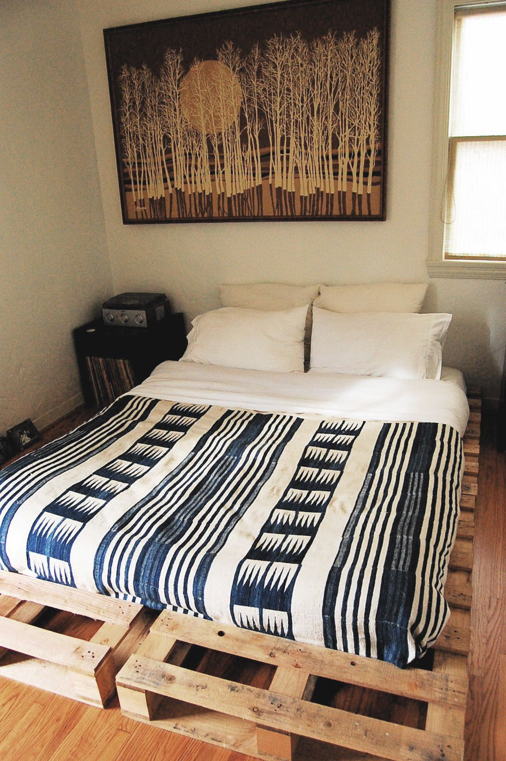 Bedroom Diy Low Profile King Bed Frame Made From Wooden Pallet