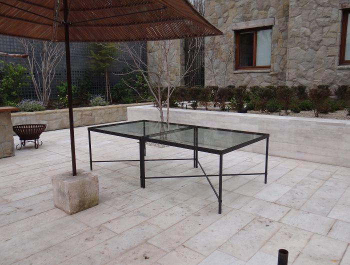 Portónes / Puertas / Baranda balcón / Pérgola / Mueble (mesa)