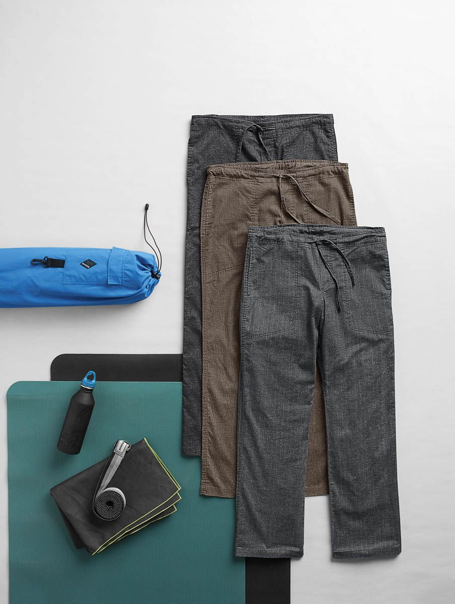 Yoga Essentials Our Men S Yoga Clothing Supports Your Practice With Enhanced Performance And Versatility Head To Prana Com And Build A Versatile Cap