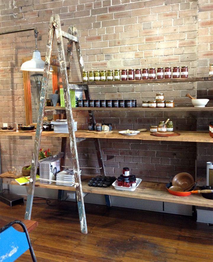 Escalera de pintor y andamios buena idea inspiring for Tiendas de muebles para restaurantes