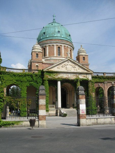 Mirogoj Cemetery Zagreb Tripadvisor Zagreb Trip Advisor Cemetery