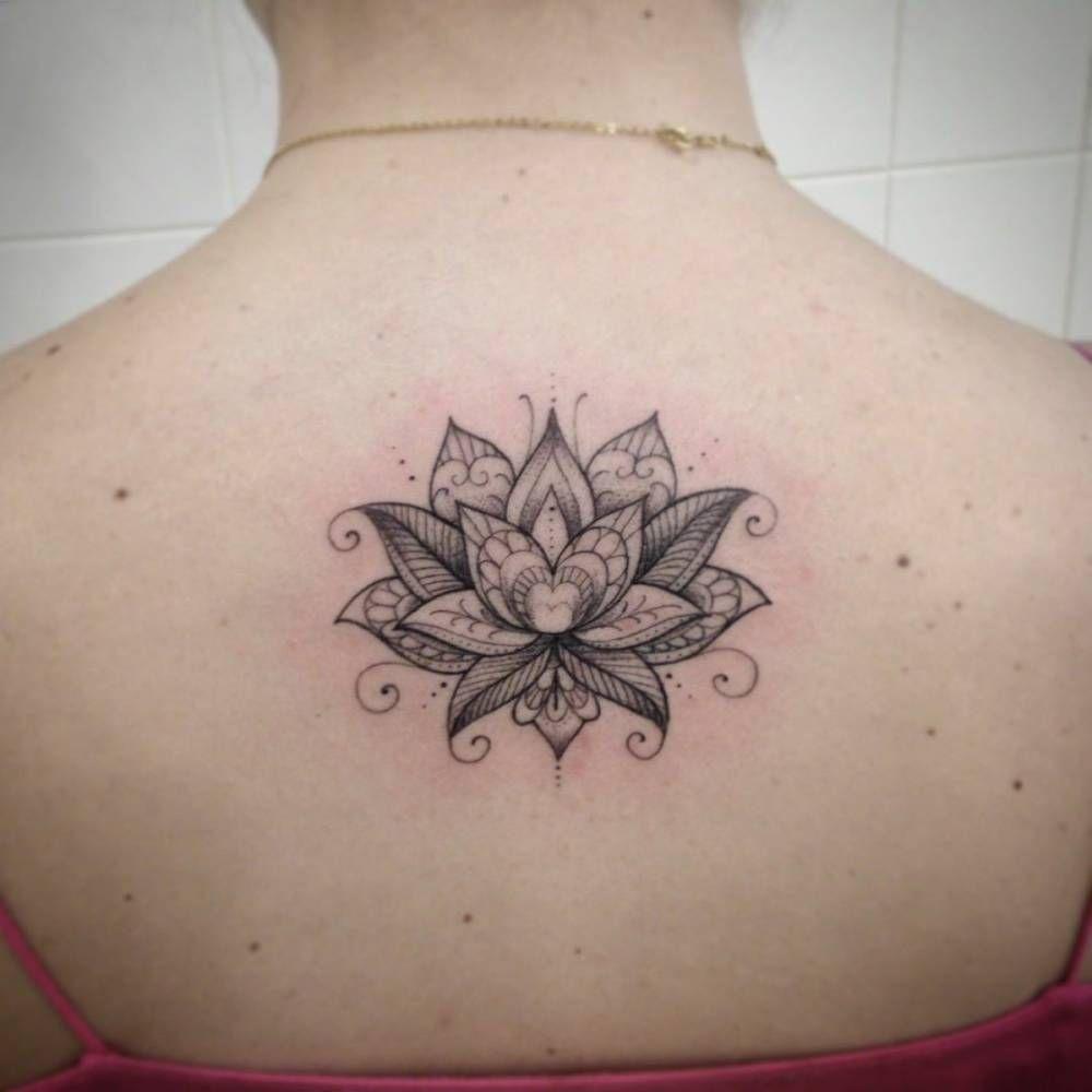 Upper back tattoo of a lotus flower tattoo artist ivy saruzi upper back tattoo of a lotus flower tattoo artist ivy saruzi tattoosforwomen izmirmasajfo
