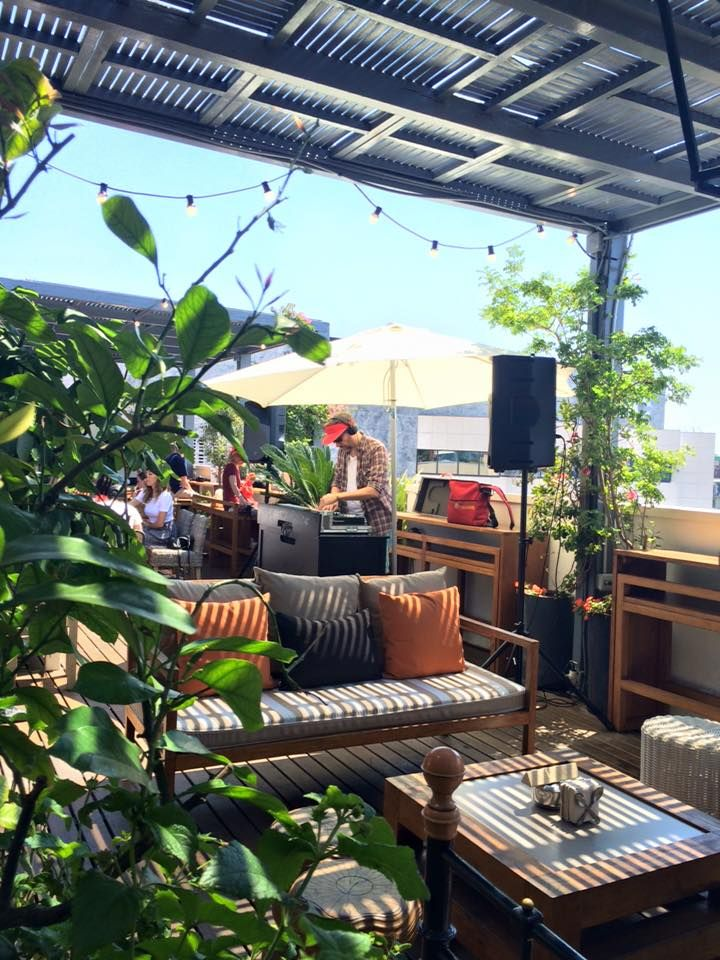 Pulitzer hotel terrace barcelona shops cafes for Hoteles familiares en barcelona ciudad
