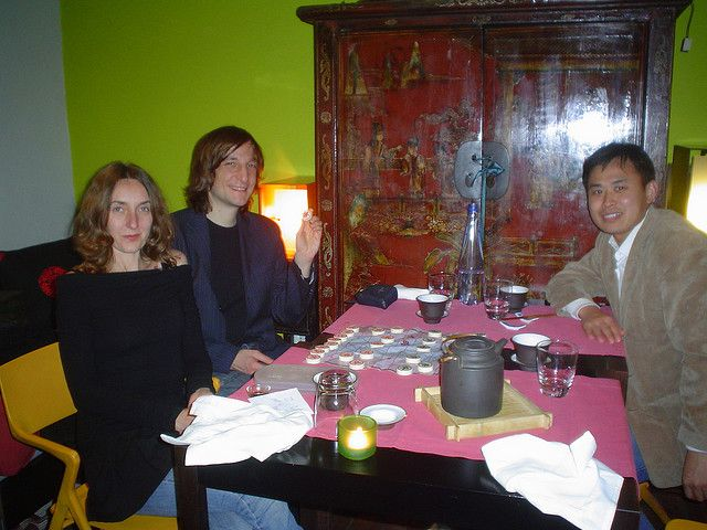 """""""green tea"""" restaurant in rome, playing chinese chess in a private room. We discovered that chinese chess doesn't have the queen !!!     wheretobuygreentea.com/"""