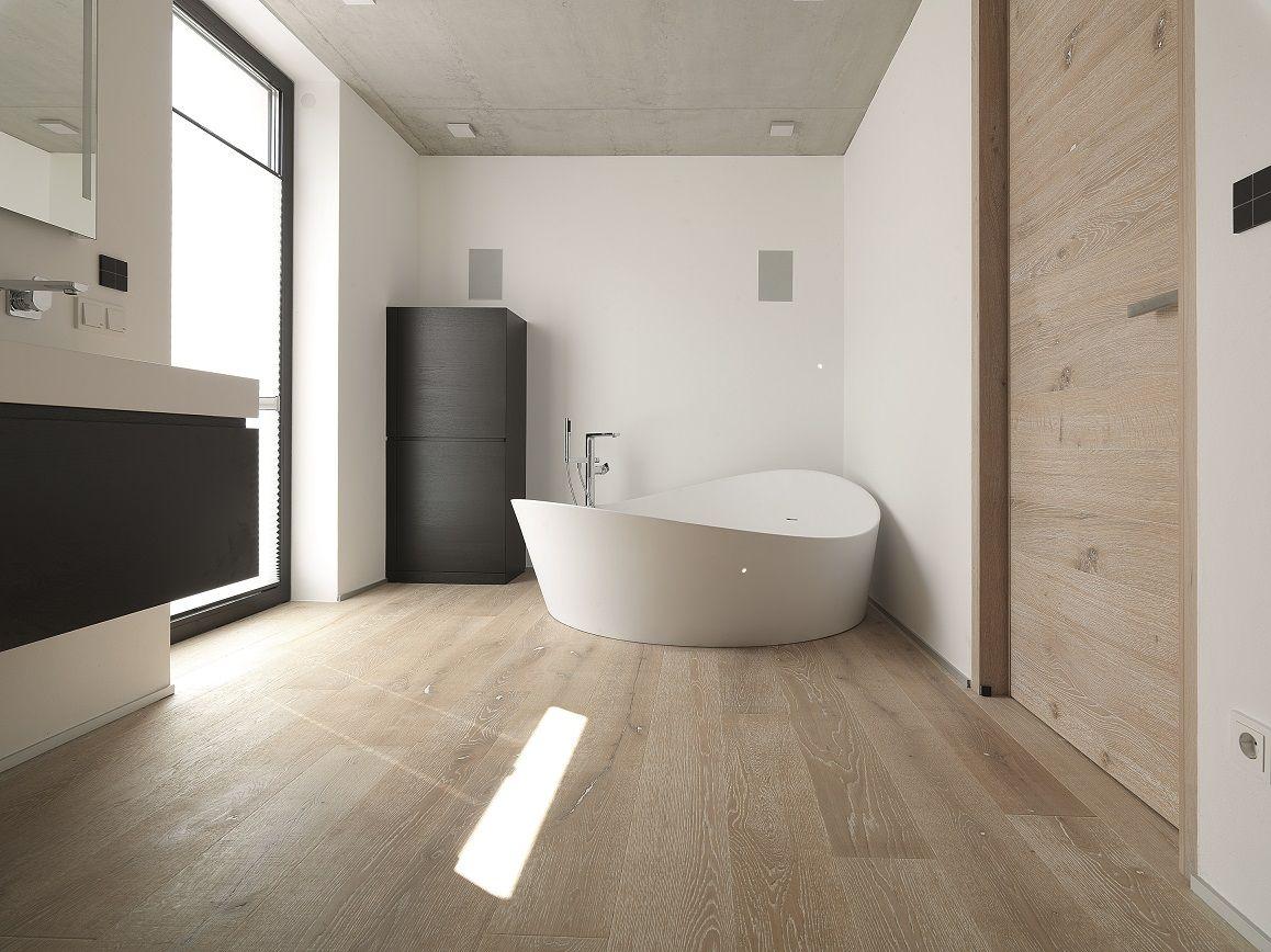 wundersch ner admonter parkett boden der durch seine warme ausstrahlung die atmosph re im raum. Black Bedroom Furniture Sets. Home Design Ideas