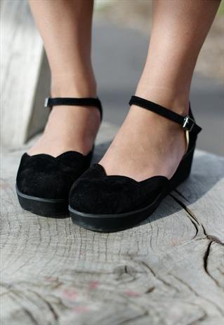 Scallop edge flatforms are the cutest. - Shoes | Pinterest - Schoenen,  Grappige schoenen en Shoes