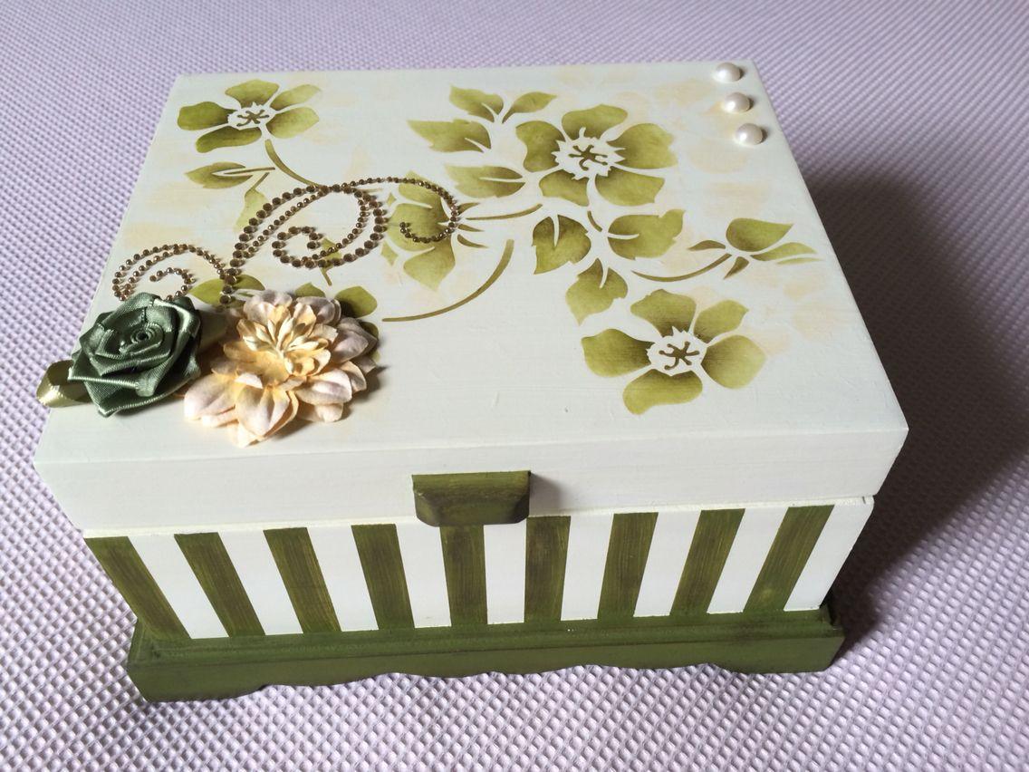 Porta Joias Com Pintura Em Stencil E Decoracao Em Flores Caixa