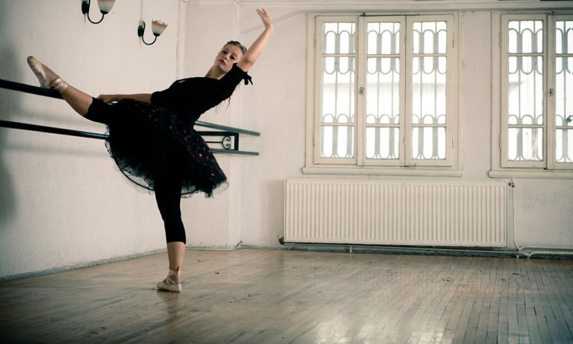 5 Exercises For A Ballerina Body (You Don't Need The Barre!)