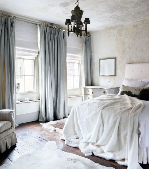 8 Clever And Cozy Fixes For Every Major Bedroom Complaint Master Bedrooms Decor Luxurious Bedrooms Curtains Living Room