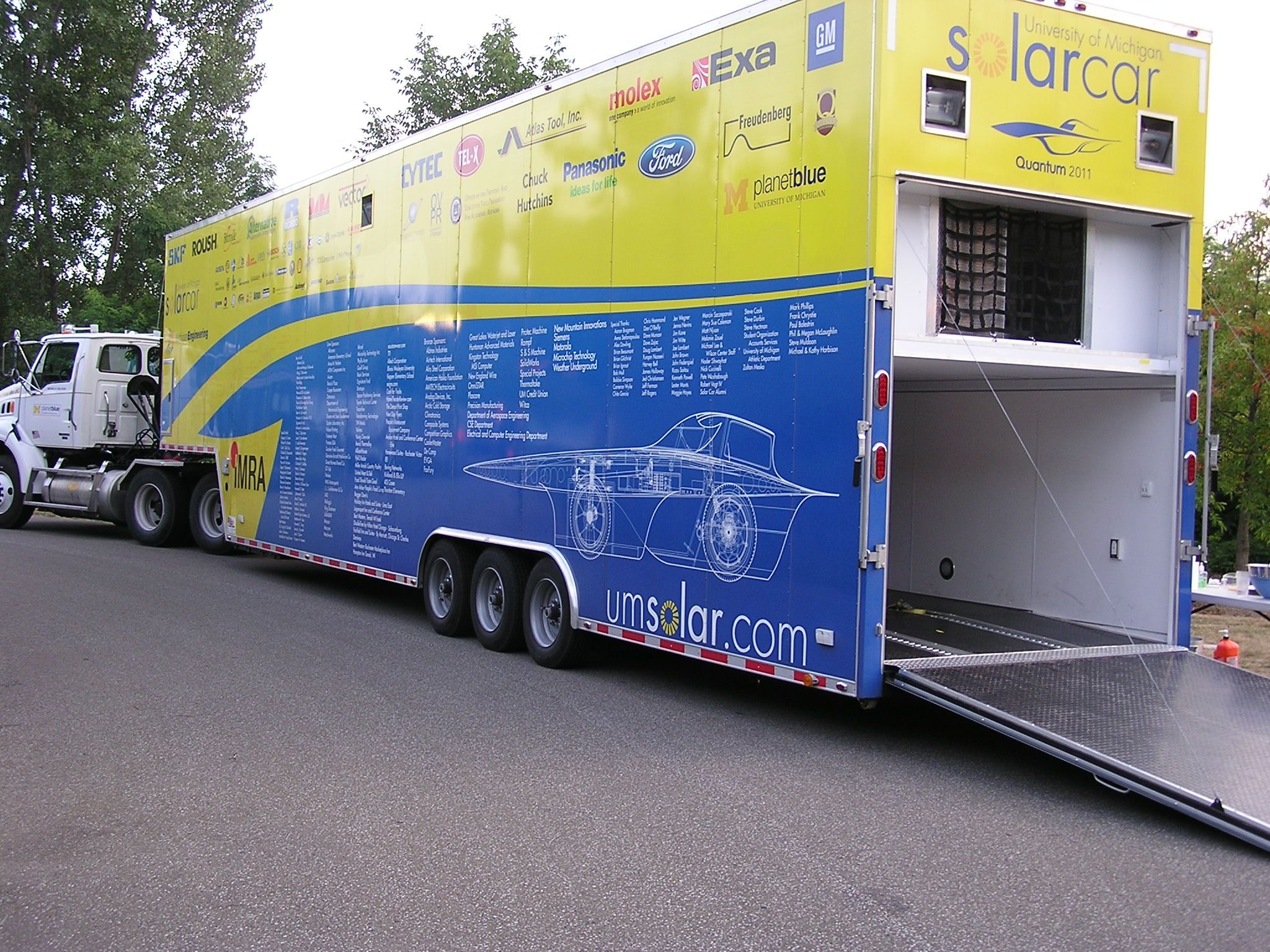 The University Of Michigan Solar Car Team Stopped In Erie Pa Over