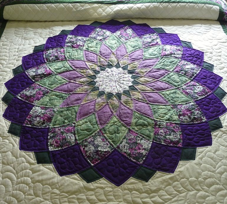 This handmade Giant Dahlia Amish quilt is made up of simply ... : amish quilting patterns - Adamdwight.com