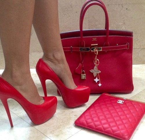 I've been wanting RED heels like these for year...smokin' hot!