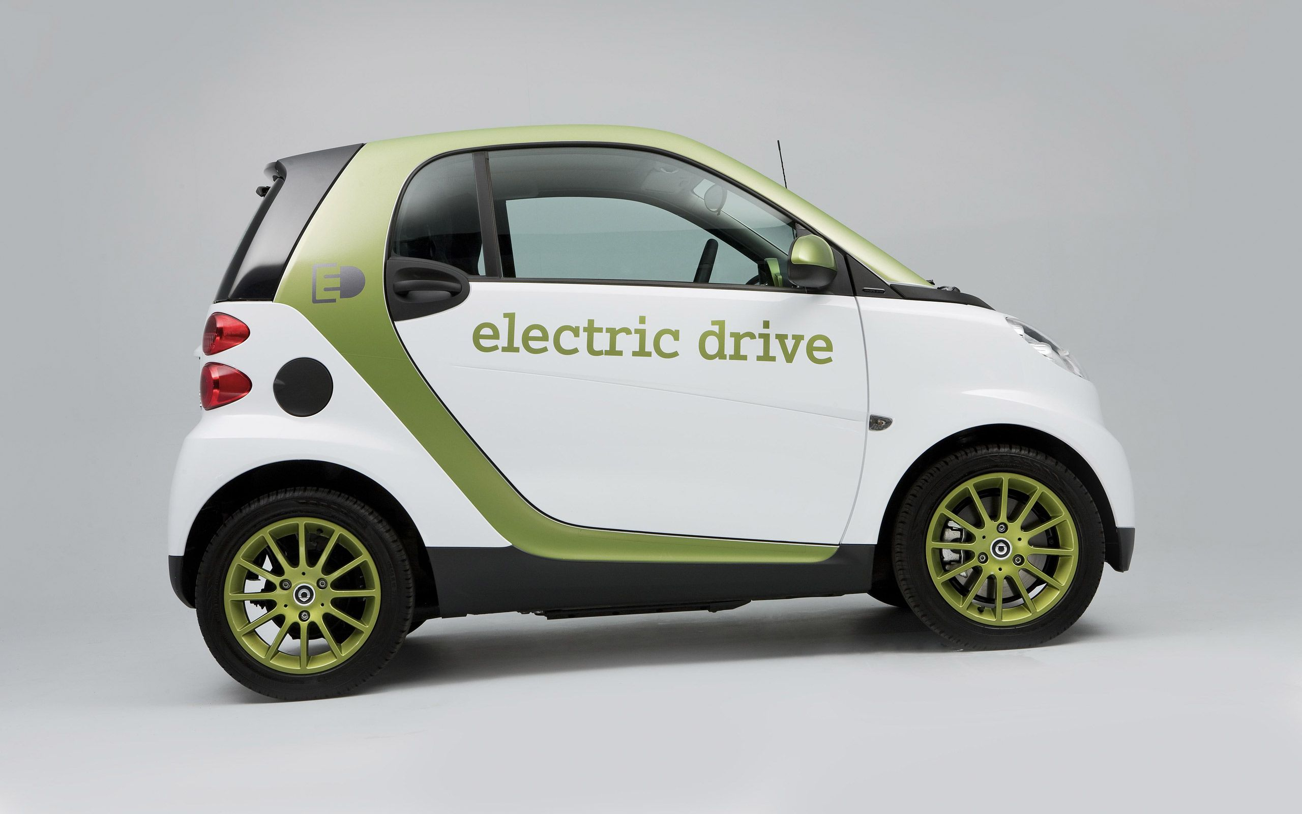 Smart Fortwo Electric Drive Available Electric Plug In Hybrid