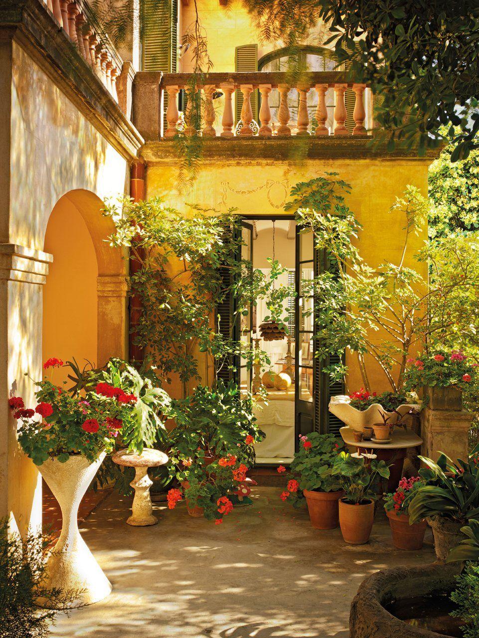 El jardín secreto de la interiorista María Lladó | Mexican patio ...