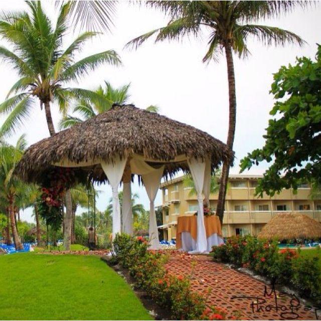 Detalles previo a la boda de Candy & Charles en Doubletree Hilton Hotel, Puntarenas, Costa Rica.  Visita: www.maynorphotographer.com y www.facebook.com/MaynorPhotographer