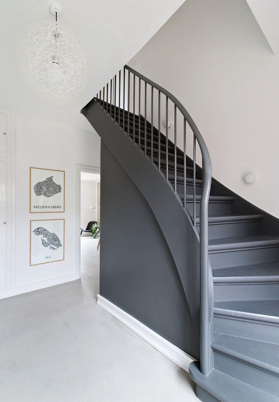 Escalier Peint En Blanc Et Gris Design Bois Escalier Peint Renovation Escalier Bois Repeindre Escalier