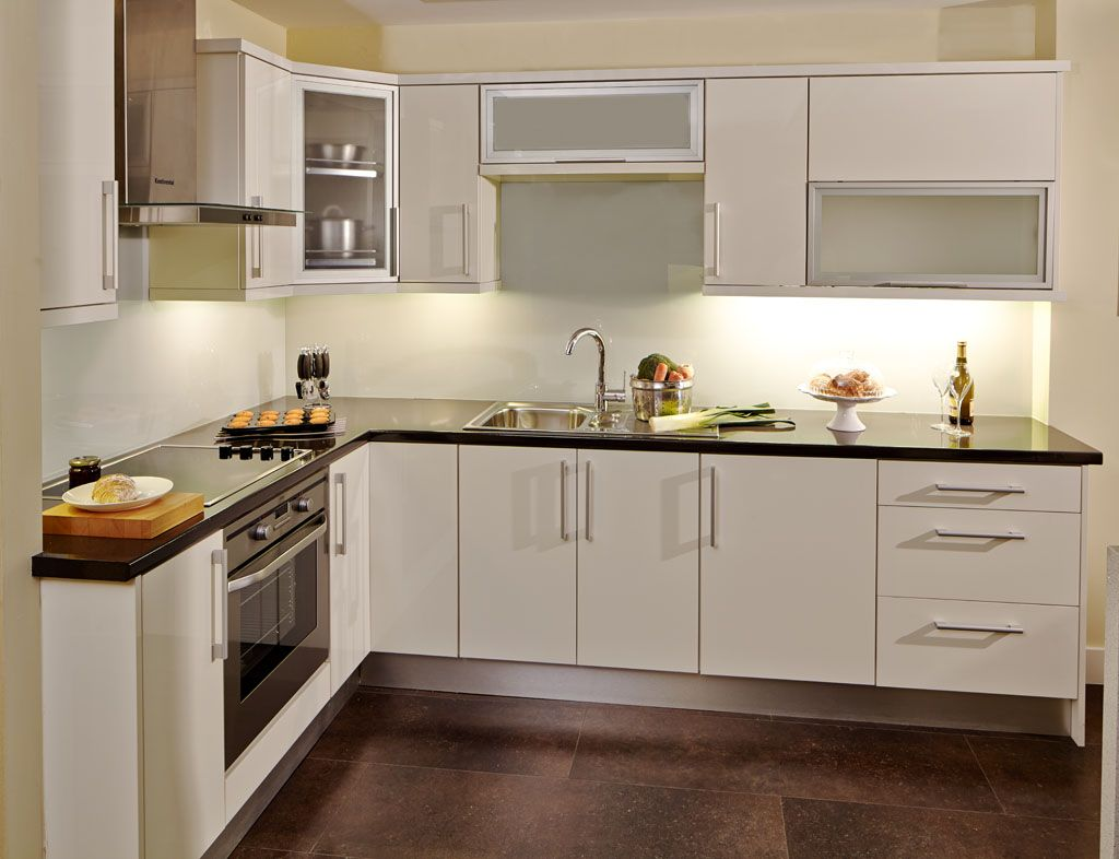 Aluminum frame glass kitchen cabinet doors aluminum for Aluminum cuisine