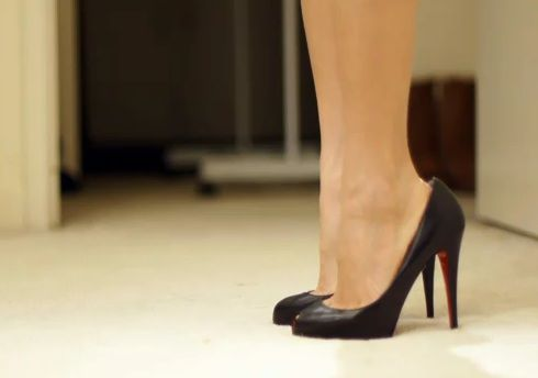Great tips from an expert on how to walk in high heels