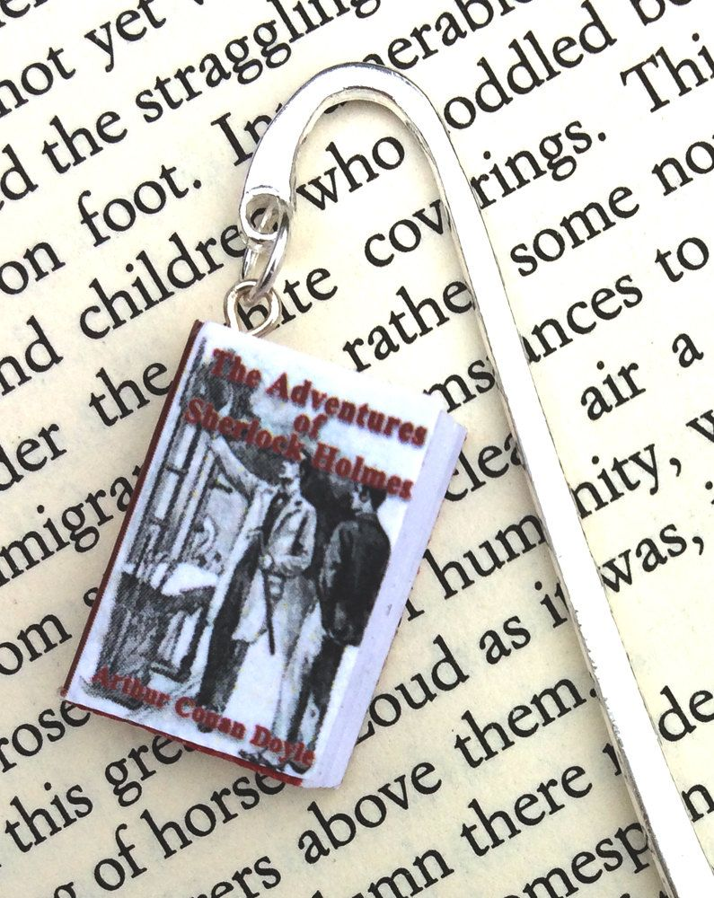 Sherlock Holmes Mini-Book Bookmark with a Silver Shepherds Hook. The perfect gift for vintage mystery readers