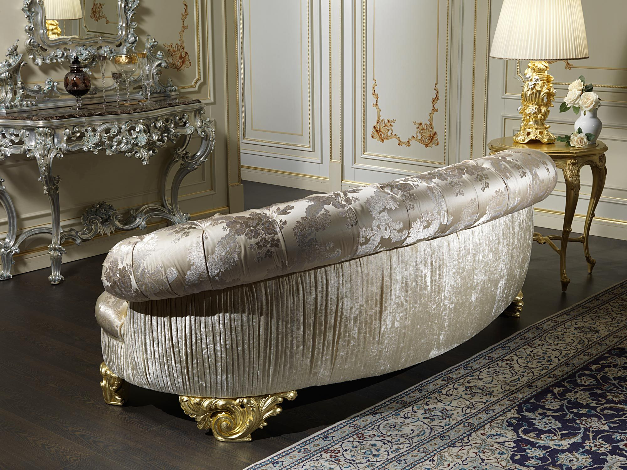 The classic luxury sofa Paris is a creation of Italian